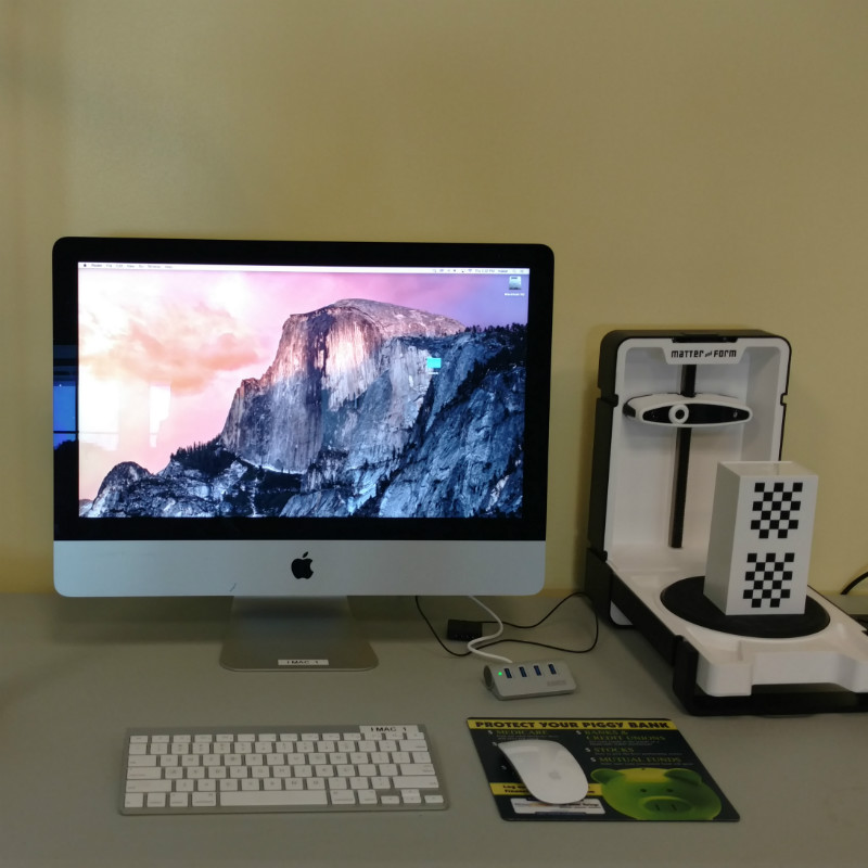 Picture of iMac machine in Innovation Studios